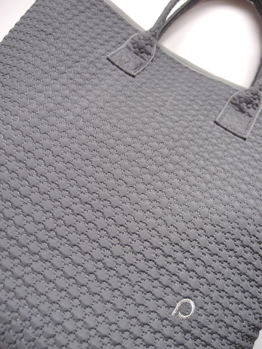 kliknutít zobrazíte maximální velikost obrázku Uniwersalna torba Small Grey Comb